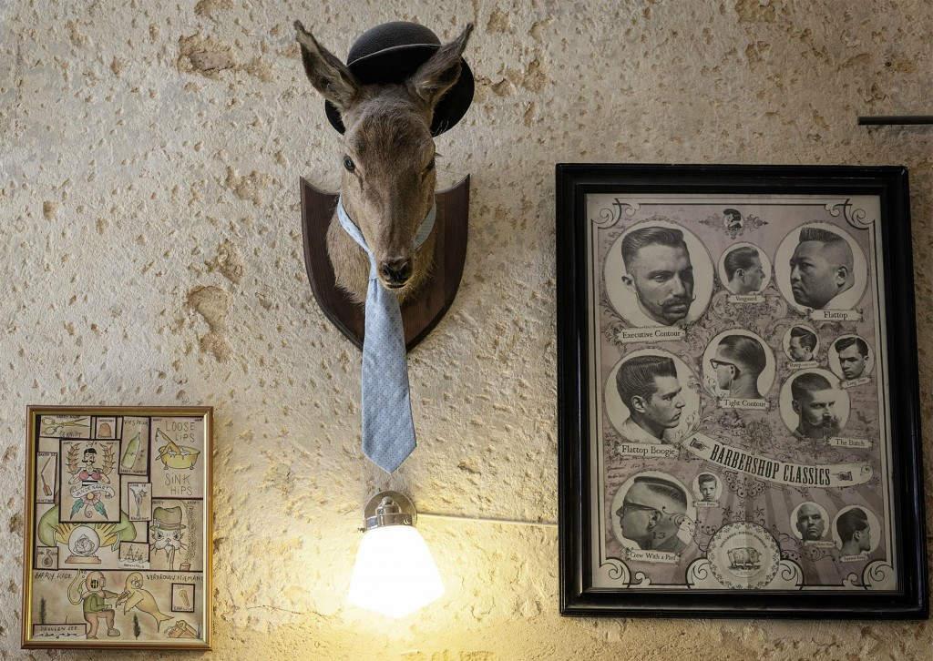 Hunter Art: Ένα διαφορετικό διακοσμητικό τοίχου με το κεφάλι ενός ζώου.